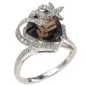 Кольцо Цветок с бриллиантами и треугольным топазом (аметистом, раухтопазом), белое золото