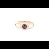 Кольцо с круглым гранатом и фианитом, красное золото