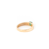 Кольцо с бриллиантами и квадратным изумрудом, красное золото