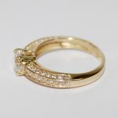 Кольцо фантазийное с фианитами для помолвки, жёлтое золото