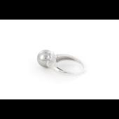 Кольцо с серым жемчугом и фианитом, серебро