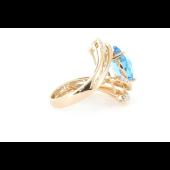 Кольцо с бриллиантами и топазом, красное золото