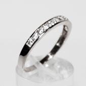 Кольцо Дорожка с фианитами, белое золото