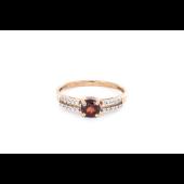 Кольцо с круглым гранатом и фианитами, красное золото