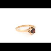 Кольцо с гранатом, красное золото
