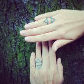 Кольцо широкое Треугольники с россыпью бирюзы в стиле bohochic, серебро с чернением
