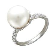 Кольцо с белым жемчугом и узкой дорожкой фианитов, белое золото