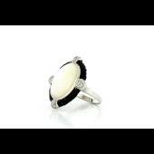 Кольцо с перламутром и фианитами, серебро